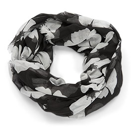 Avenue Scarf in White Poppy - 8331